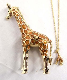 Giraffe Trinket Box With Necklace