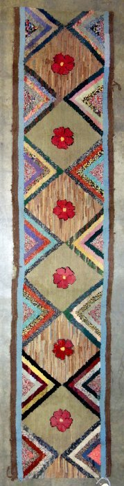 """Floral And Geometric Hooked Rug Runner - 7' 6"""" X 1' 7""""."""