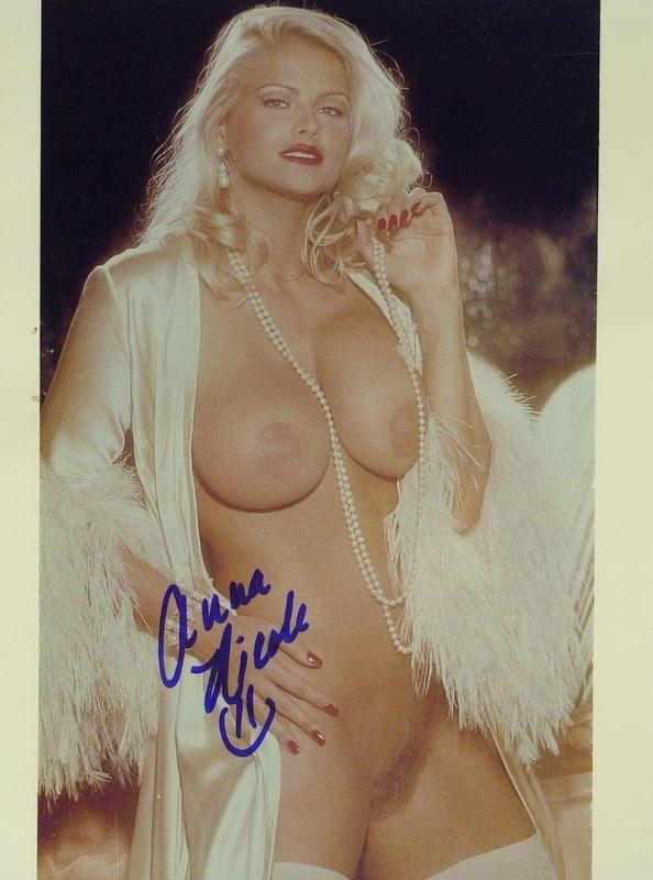 Anna Nicole Nude Photos 92