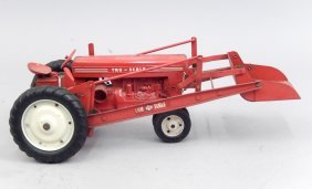 Tru Scale Tractor With Loader