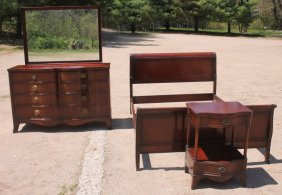 Fine Quality 3 Pc Drexel Bedroom Set Featuring Dbl