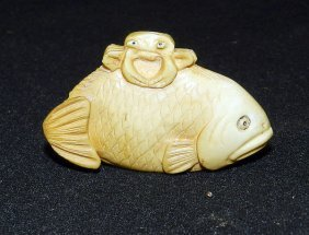 Antique Carved Ivory Crab Netsuke