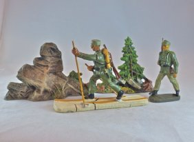 Elastolin German Mountain Soldiers+rocks/trees