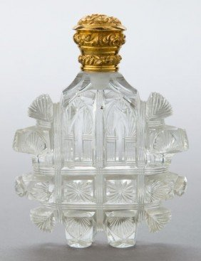 A DUTCH CUT GLASS AND 18K GOLD PERFUME FLASK Ma
