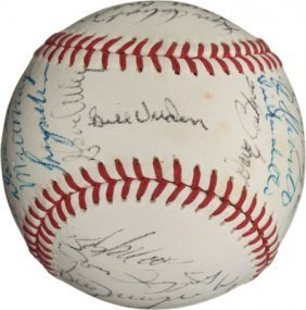 1971 Pittsburgh Pirates Team Signed Baseball.