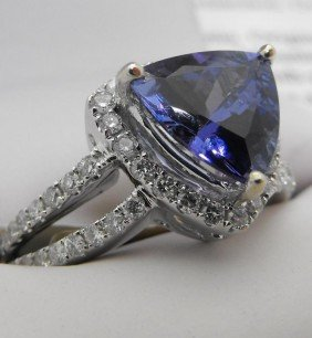 $9,135 Appraisal - 2.65 Ct. Tanzanite Ring