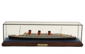 """Small Cased Ship Model - """"queen Mary"""", 1:600 Scale, R."""