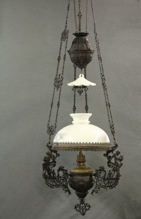 Counter-weighted Parlor Oil Lamp - Fine Example, Circa