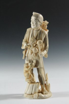 19th C Japanese Carving - Meiji Period Cabinet Figure