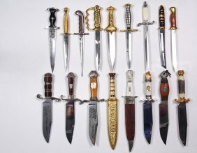 (17) Replica Daggers - All But One Are Franklin Mint,