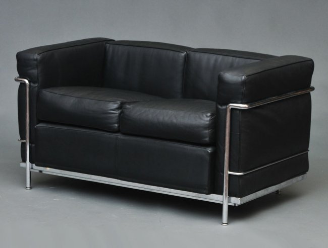 Le corbusier lc2 petit modele sofa lot 46 for Le corbusier lc2 nachbau