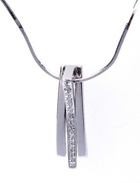 18KT White Gold Ladies Diamond Pendant With Chain A2976