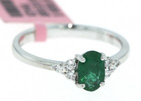 18KT White Gold .7ct Emerald And Diamond Ring FJM771
