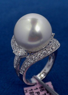 18KT White Gold Pearl And 1.3ct Diamond Ring FJM592