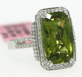 18KT White Gold 5.45ct Peridot And Diamond Ring FJM720