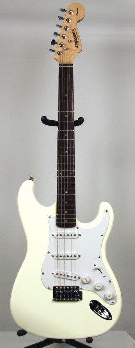 Starcaster Stratocaster In White DGU140