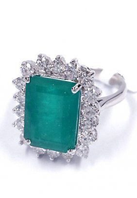 18KT White Gold 5.34ct Emerald And Diamond Ring A3723