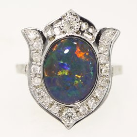 14KT White Gold 2.2ct Opal And Diamond Ring 4.7gms GD25