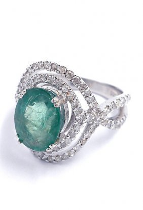 14KT White Gold 2.83ct Emerald And Diamond Ring A3763