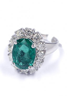 14KT White Gold 2.92ct Emerald And Diamond Ring A3721