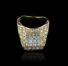 18KT Yellow Gold 1.80ctw SI1-I1/G-I Diamond Ring GB636