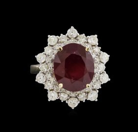 9.31ct Ruby And Diamond Ring - 14kkt Yellow Gold