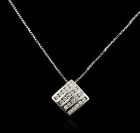 14kt White Gold 0.89ctw Diamond Pendant With Chain