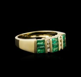 14kt Yellow Gold 0.74ctw Emerald And Diamond Ring