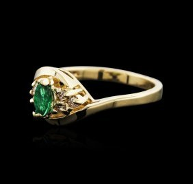 14kt Yellow Gold 0.38ct Emerald And Diamond Ring