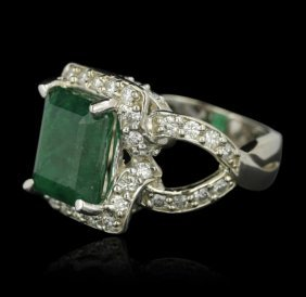 14kt White Gold 6.63ct Emerald And Diamond Ring