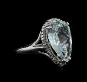 5.70ct Aquamarine And Diamond Ring - 14kt White Gold