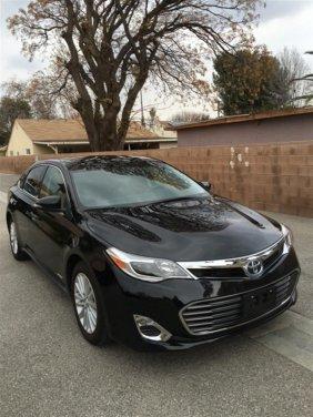 2014 Black Toyota Avalon Hybrd Xle