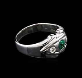 0.30ct Emerald And Diamond Ring - 14kt White Gold