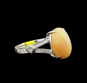 2.90ct Fire Opal And Diamond Ring - 14kt White Gold