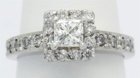 0.72ctw Diamond Ring - 14kt White Gold