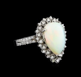 3.90ct Opal And Diamond Ring - 14kt White Gold