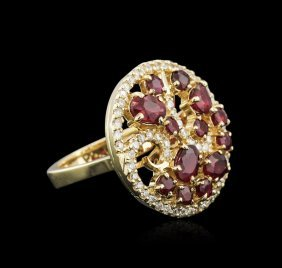 14kt Yellow Gold 1.80ctw Ruby And Diamond Ring