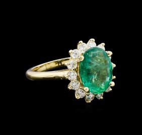 3.14ct Emerald And Diamond Ring - 14kt Yellow Gold