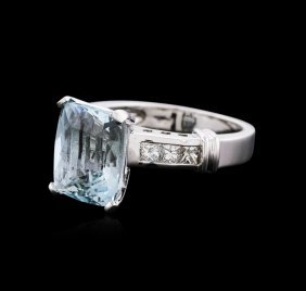 14kt White Gold 4.93ct Aquamarine And Diamond Ring