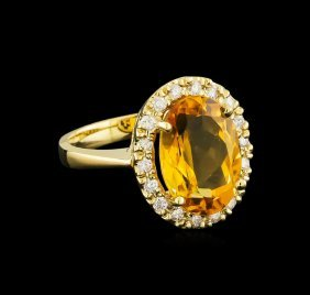 6.14ct Citrine And Diamond Ring - 14kt Yellow Gold
