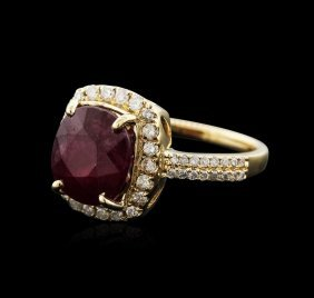 14kt Yellow Gold 4.95ct Ruby And Diamond Ring