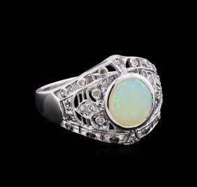 1.02ct Opal And Diamond Ring - 18kt White Gold