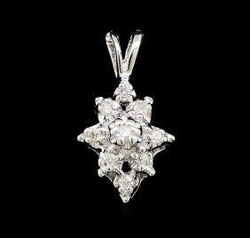 0.10ctw Diamond Cluster Flower Pendant - 14kt White