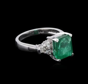 3.23ct Emerald And Diamond Ring - 14kt White Gold