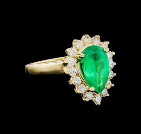 1.73ct Emerald And Diamond Ring - 14kt Yellow Gold