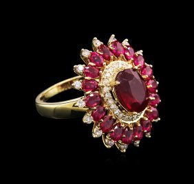 6.82ctw Ruby And Diamond Ring - 14kt Yellow Gold