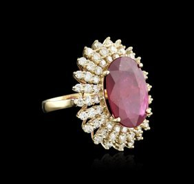 14kt Yellow Gold 19.11ct Ruby And Diamond Ring