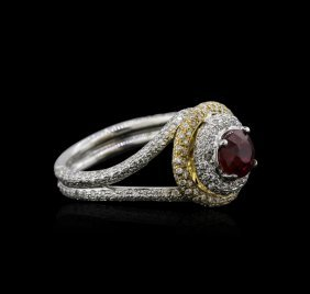 18kt Two-tone Gold 1.01ct Ruby And Diamond Ring