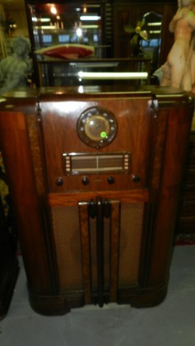 Lovely Antique Floor Model Radio In Cabinet Motorola